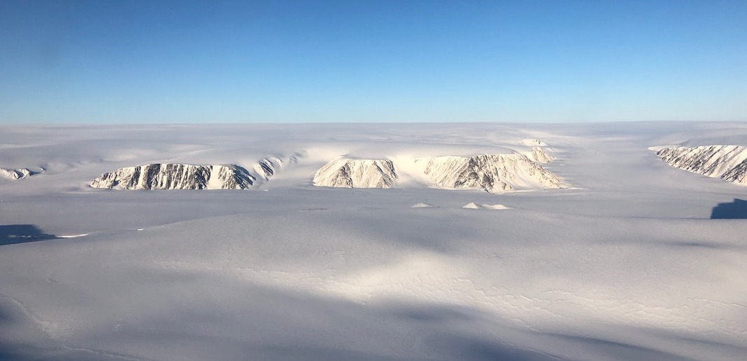 Exploring the arctic with IU and Operation IceBridge: Flying